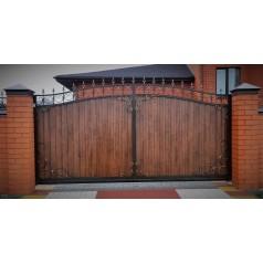 Кованые ворота с деревом №0200 (средняя стоимость 1747 бел. руб.)
