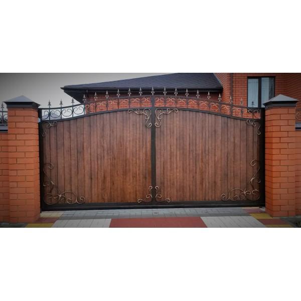 Кованые ворота с деревом №0200