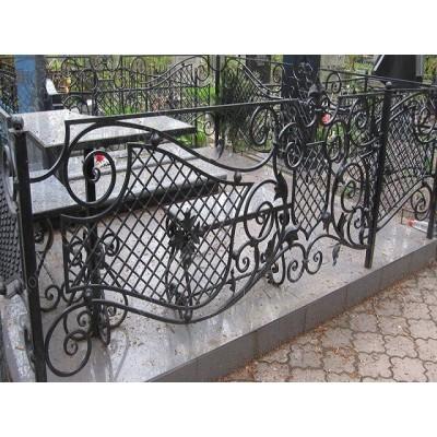 Ограда кованая на могилу VIP №35